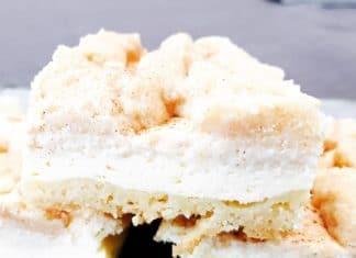 Snickerdoodle Cheesecake, ist ein flacher Boden mit einer Käsecreme und streuseln. Gepimpt mit Zimt-/ Zucker und einem WOW Effekt beim essen.