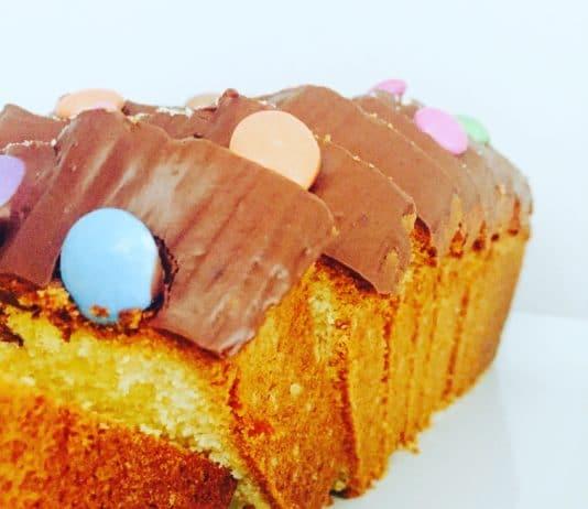 Sandkuchen ist der typische klassische Kuchen unter den Trockenkuchen. Dieser Kuchen schmeckt wirklich jedem und ist stets ein guter Wegbegleiter.