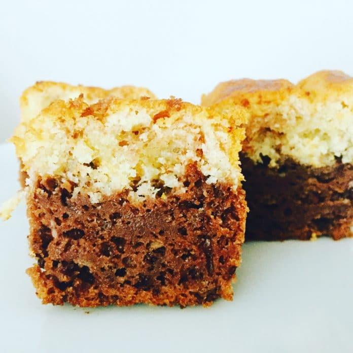 Marmorkuchen, der Klassiker unter den Trockenkuchen. Doch immer nur Klassiker ist langweilig, deswegen ist er etwas gepimpt.