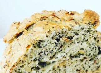 Dinkelbrot selbstgemacht, ist die wunderbare Alternative zum Bäckerladen um die Ecke. Mit einer fast Gelinggarantie!