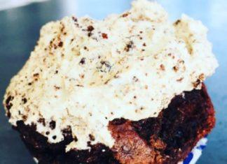 Maulwurfkuchen mal anders. Gepimpt als Muffin mit Schokolade und Nuss. Pfiffiger als das Original