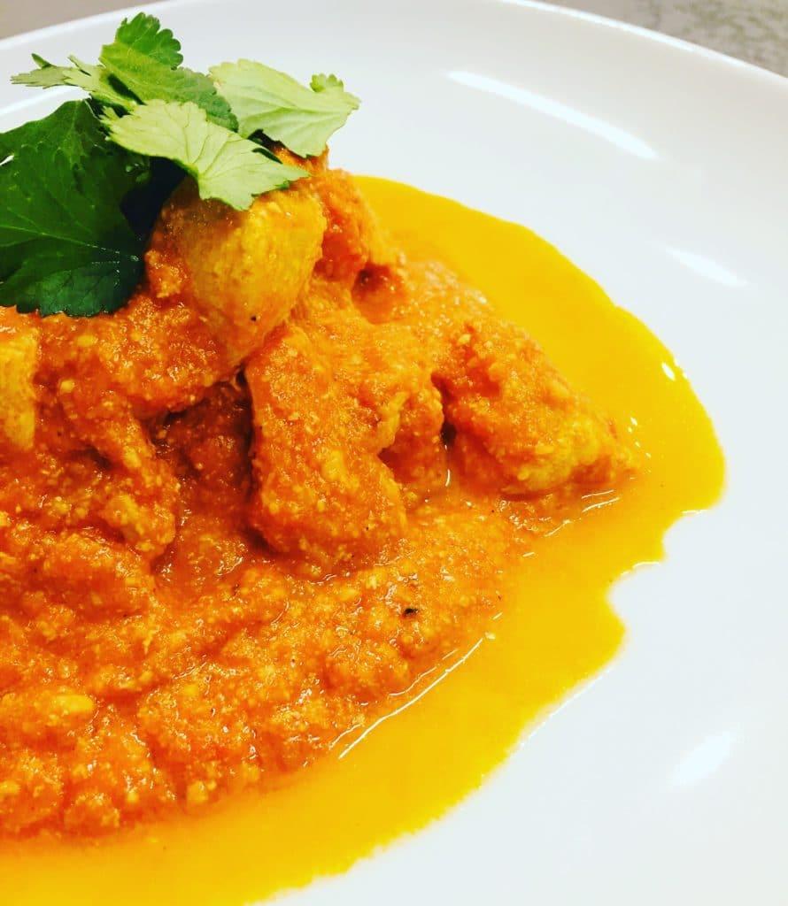 Butternut Chicken auf Deutsch Butter Hühnchen, ist das wohl bekannteste indische Gerichte, welches wir kennen, lieben und in vollen Zügen genießen.