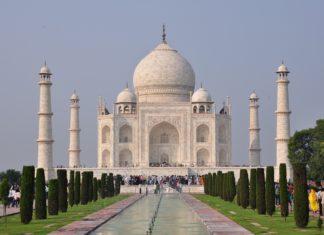 Indien und sein Essen, ist genauso bunt wie seine Farben und die Gewürze, die dieses Land prägen.