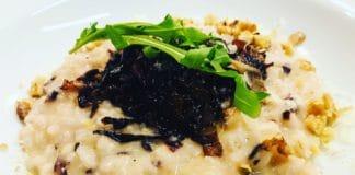 Radicchio Risotto, ist ein Essen für Lieber, die es gerne Bitter mögen. Vor allem das Zusammenspiel von Geschmack und Farbe steht ganz oben!