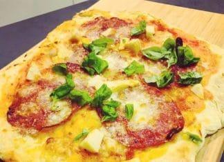 Pizza ist nicht gleich Pizza. Auf die Zutaten kommt es an. Hier ein typisches italienisches Pizzateigrezept, was wirklich überzeugt!