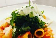 Nudeln mit Tomatensoße ist das wohl bekannteste Gericht, wenn es um Nudeln geht. Aber diese Tomatensoße ist mit Abstand die Weltbeste!